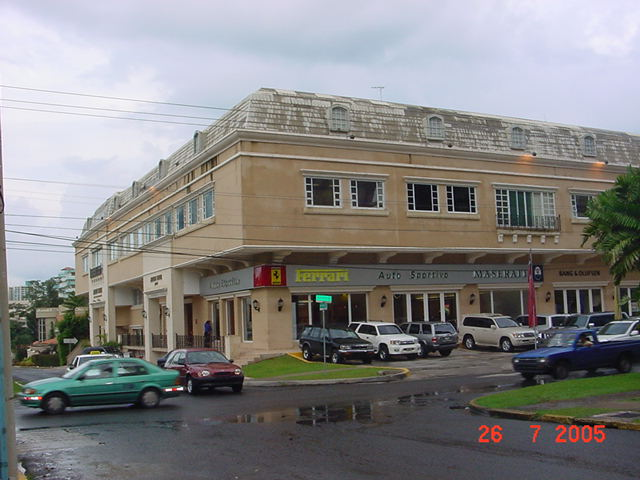Download this Addison House Plaza picture